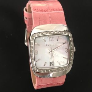 Fossil watch mother of Pearl face crystals pink